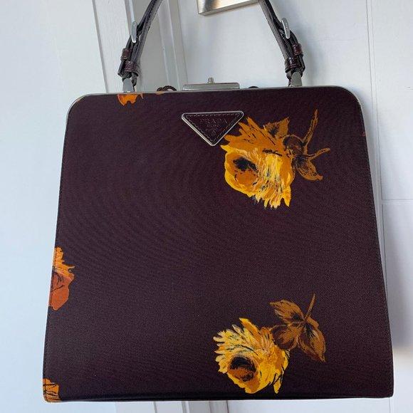 Beautiful Authentic Prada Bag!